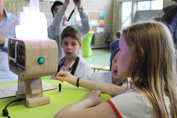 Pieksie mag volgend schooljaar om beurt mee met een leerling.