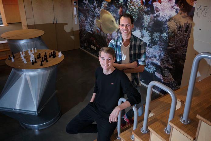 Oscar van der Vleuten (links) en Mees Boeijen van Skotty.