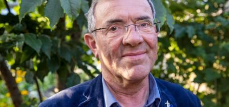 'Woonwagenpastoor' Henri van Leuken doet iets  wat kennelijk bijzonder is: hij gaat gewoon naar de mensen toe