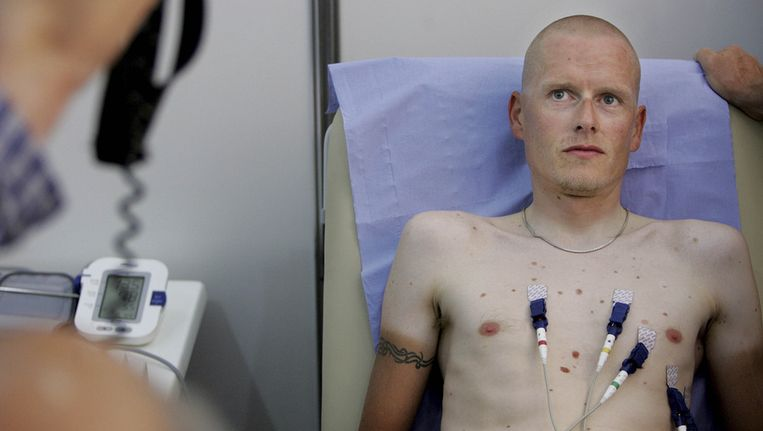 Michael Rasmussen van de Rabo Wielerploeg tijdens de medische keuring voor de Tour de France in 2007. Beeld anp