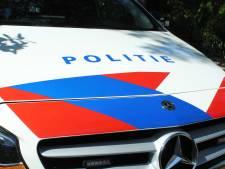 Politie vindt drie gestolen auto's in loods