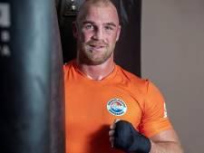 Almelose bokser Müllenberg gooit de handdoek in de ring: 'Ik heb niet meer de motivatie er helemaal voor te gaan'