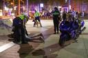 Het horecaprotest eindigde door toedoen van een op de vlucht geslagen wildplasser en een motorrijder die de boel kwam verstoren, in een massaal politieoptreden. Beide arrestanten hadden niets van doen met het horecaprotest.