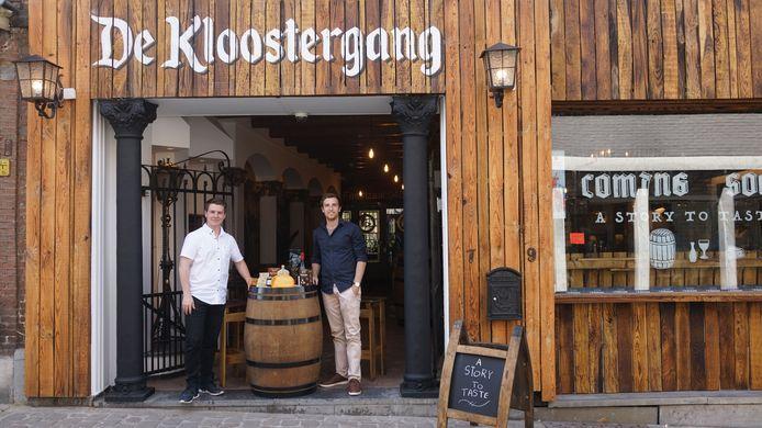 Kenny Hermans en Koen Naulaerts, uitbaters van 'De Kloostergang'.