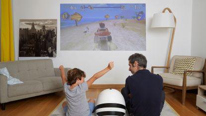 VIDEO: Franse neef van R2D2 speelt muziek, bewaakt je huis en projecteert video waar je maar wil