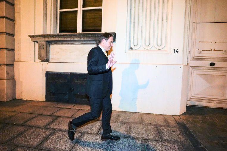 N-VA-voorzitter Bart De Wever na de vergadering van zondag 15 maart waarin hij eiste dat alle aanwezigen erkenden dat hij nooit het premierschap had geclaimd. Beeld BELGA