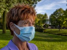 Margo (55) draagt nog altijd een mondkapje: 'Ik heb er maling aan als mensen raar kijken'