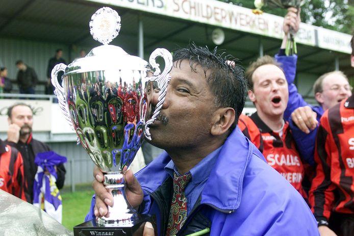 In 2001 won Paul Telussa met Terneuzen de districtsbeker.