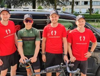 Elias (29) fietst 500 kilometer voor overleden vriendin