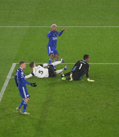 Leicester komt niet naast Liverpool en Spurs door pijnlijke thuisnederlaag tegen Fulham