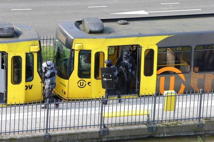 Als er schoten worden gelost in een tram op het 24 oktoberplein in Utrecht, is de terreuraanslag die zo lang werd gevreesd daar.