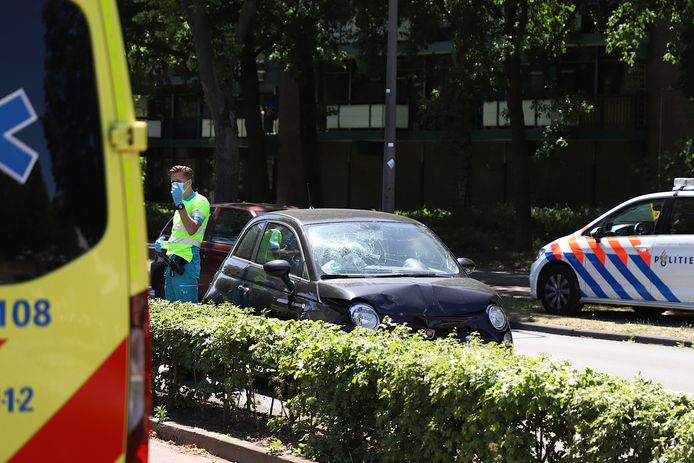 Drie auto's op Rompertsebaan op elkaar gebotst in Den Bosch.