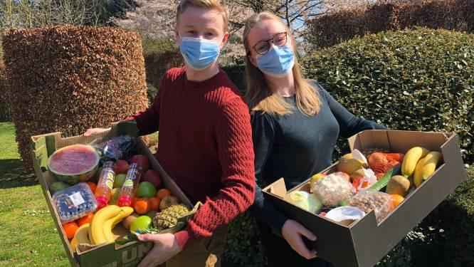 """Zus (22) en broer (19) verdelen voedselpakketten aan marktprijs: """"Zorgverleners krijgen voorrang"""""""