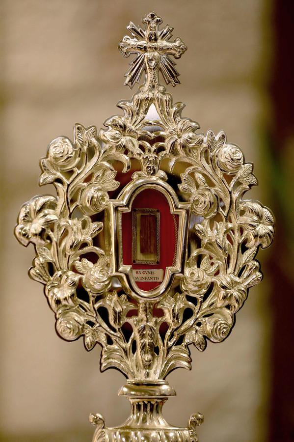 Het stuk van de kribbe is een van de heiligste relikwieën van de Rooms-Katholieke Kerk.