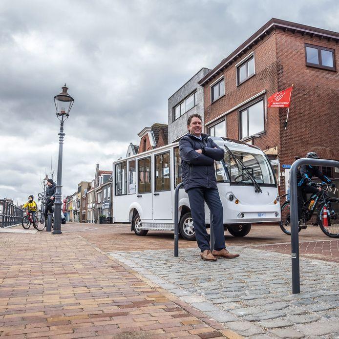 Jan Goverde dit voorjaar. Hij hoopt op ritjes met een elektrisch taxibusje door centrum van Zevenbergen.