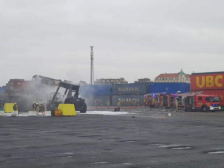 De brand was snel geblust. De brandweer bleef nog even ter plaatse om na te blussen.