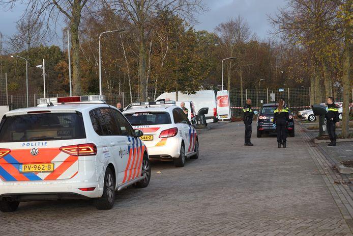 Politie lost schoten op parkeerplaats bij de McDonald's in Uden.