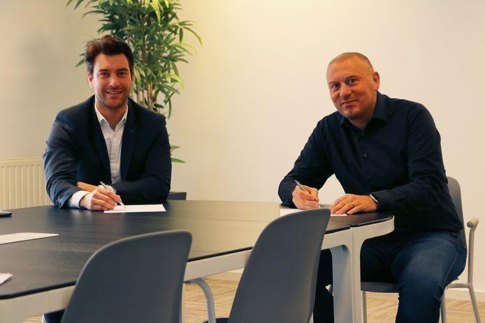 Rick de Vroom, commercieel directeur van Uitgeverij West Media (l.), en Erhard Soeterbroek, directeur van Telstar Mediagroep.