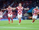 Modric laat Kroatië met wondergoal ontsnappen: 'We zijn weer gevaar voor elke tegenstander'