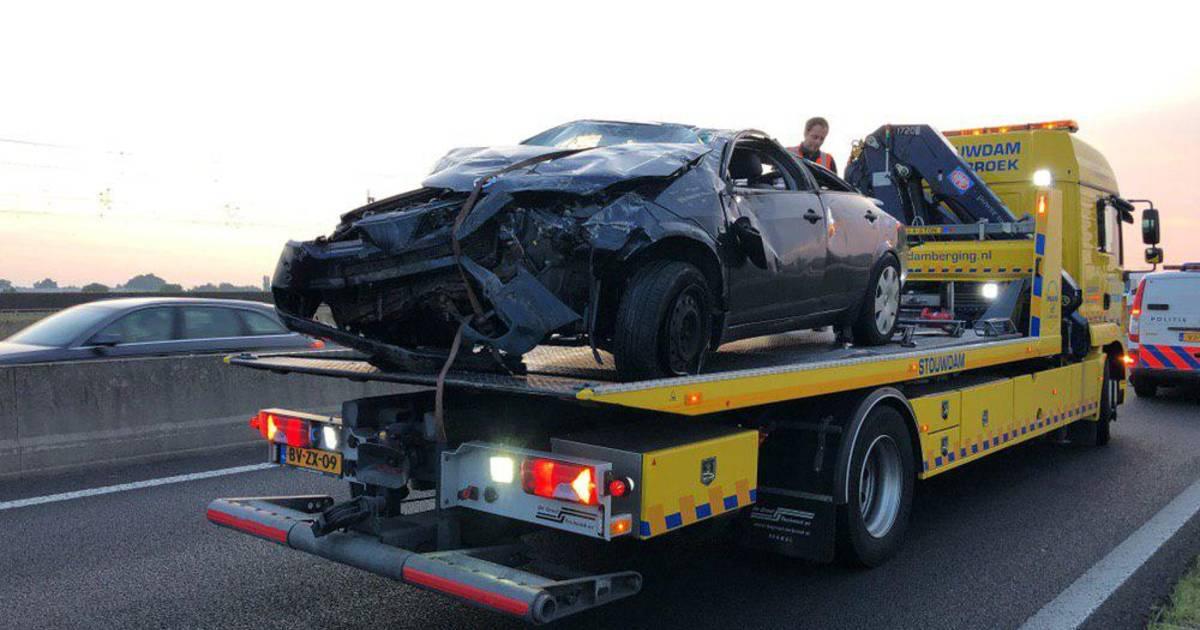Man komt om het leven bij eenzijdig ongeval op N50, weg richting Zwolle afgesloten.