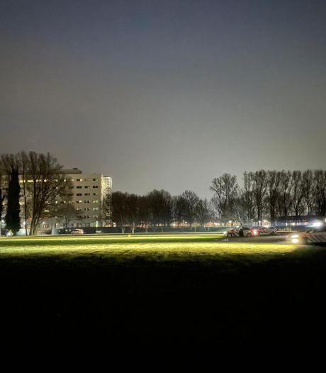 Man gewond bij nachtelijke steekpartij Park de Wezenlanden in Zwolle
