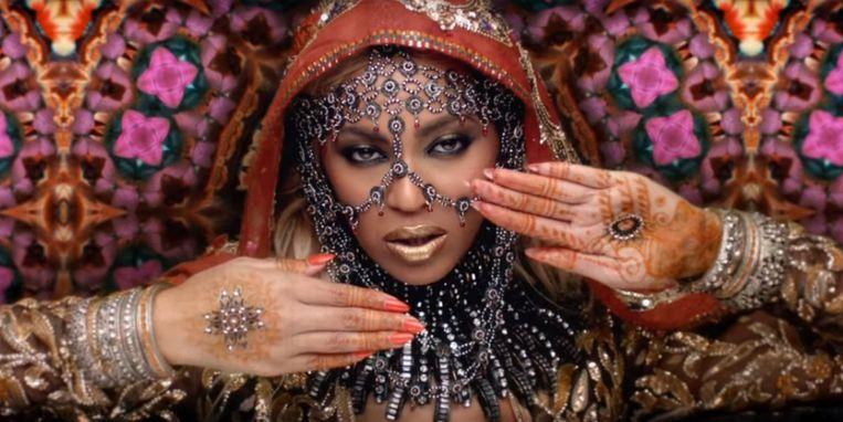 Beyoncé als Bollywood-actrice in de videoclip van 'Hymn For The Weekend'. Beeld rv