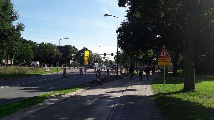 De situatie op het kruispunt na het ongeluk.