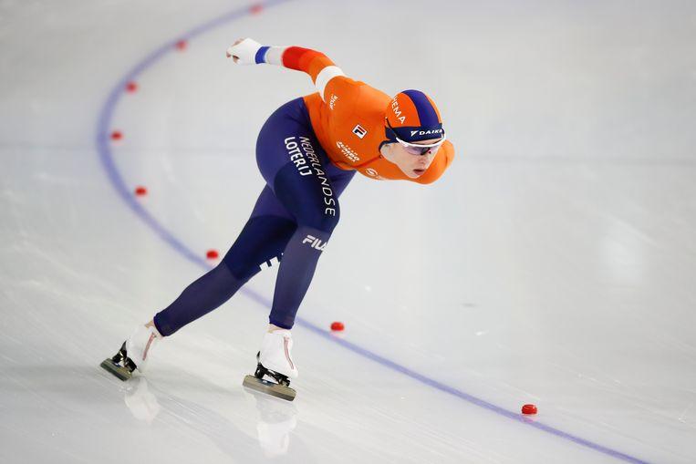 Antoinette de Jong tijdens de 3000 meter in Thialf.  Beeld Peter Dejong, AP
