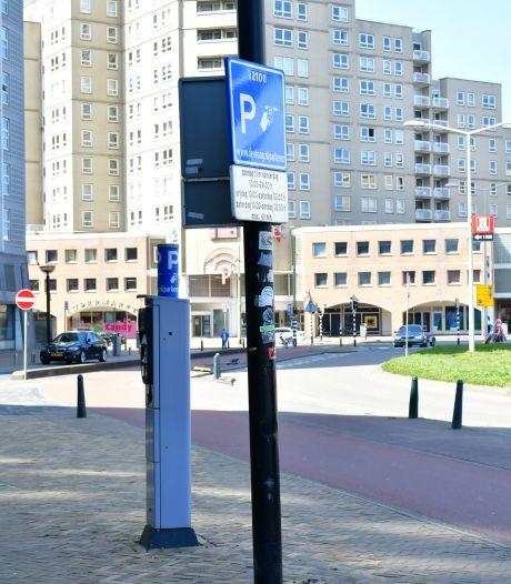 Politiek worstelt met torenhoog parkeertarief op Scheveningen: 'Er moet daar wel iets gebeuren'