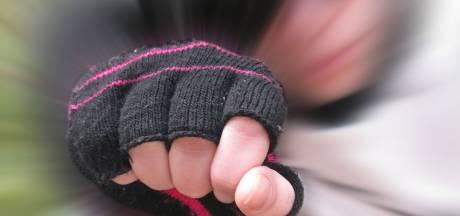 Tieners bestormen camping in Kortgene en mishandelen Vlissinger. Moeder verdachte: 'Dit was een wraakactie'