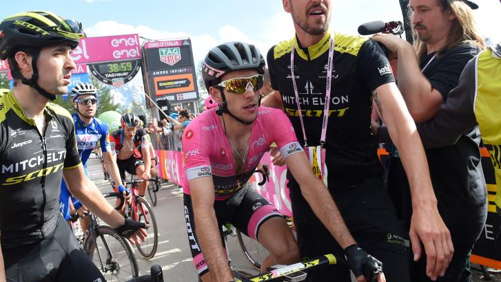 Simon Yates is naast Roze trui ook teambus kwijt