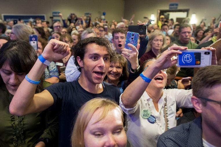 Aanhangers van de Democratische kandidaat Abigail Spanberger in Virginia.  Beeld EPA