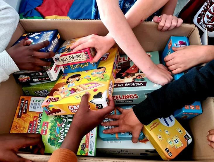 L'association Meeple Solidaire a récolté 4.000 jeux qu'elle distribuera aux familles sinistrées, notamment à Esneux, Verviers et Pepinster.