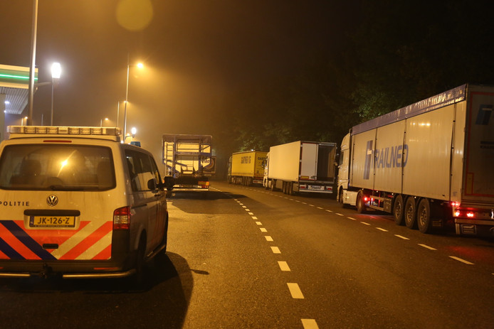 Overval op een vrachtwagen langs de A58 bij Rucphen, foto: Alexander Vingerhoeds