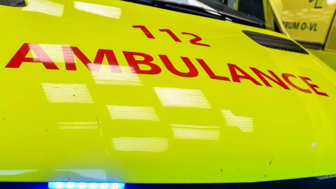 Meisje (17) gewond na aanrijding op kruispunt