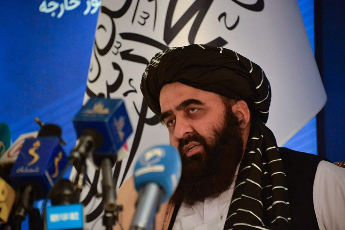 Le ministre afghan des Affaires étrangères, Amir khan Muttaqi, s'exprime lors d'une conférence de presse au ministère afghan des Affaires étrangères à Kaboul, le 14 septembre 2021.