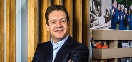 KNVB-voorzitter Spee in hoofdbestuur UEFA, Van Praag benoemd tot erelid