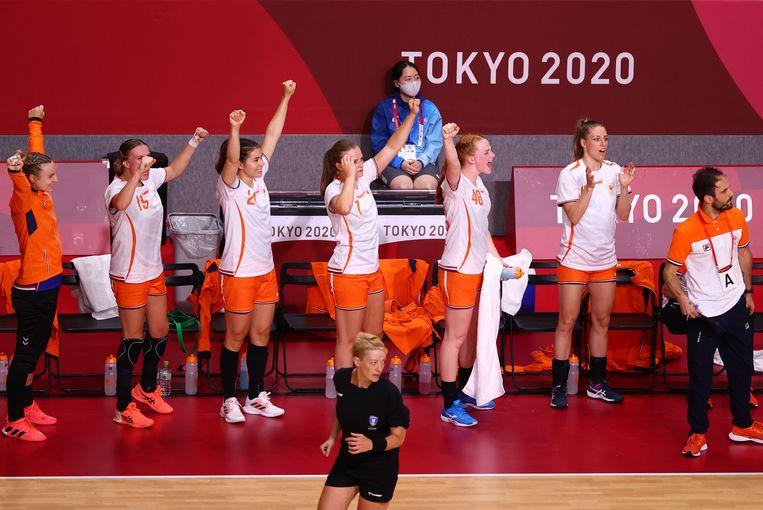 Gejuich op de Nederlandse bank tijdens de wedstrijd tegen Noorwegen, die niettemin verloren ging. Beeld Reuters