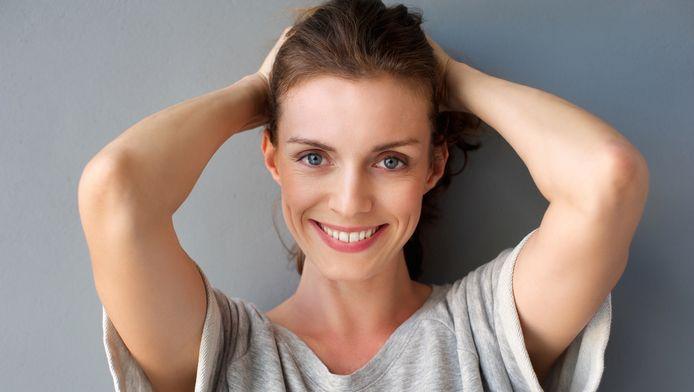 Day-aging = het fenomeen waarbij vrouwen merken dat hun huid er 's avonds ouder uitziet dan bij het opstaan.
