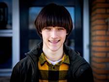 Scouts op straat zagen in Jesse (18) een topmodel, maar dan wel graag met een 'bloempotkapsel'