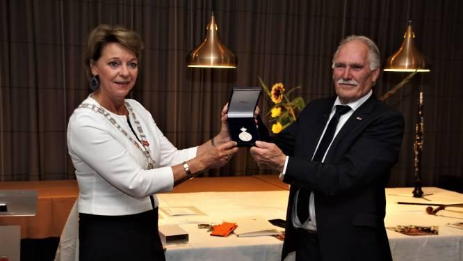 Koninklijke Erepenning voor jarige sociëteit in Helmond