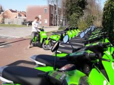 Ja lekker, op een leenscooter naar de binnenstad! Maar wat als iemand zo'n groen ding voor je deur zet?