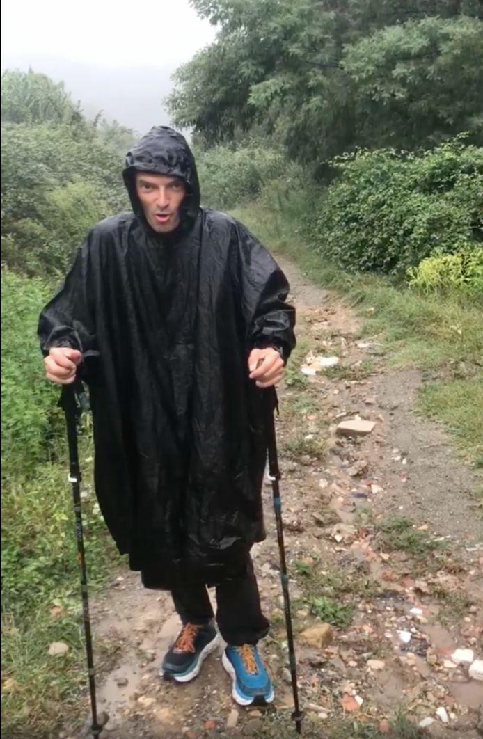 Johan Swinnen op 11 kilometer van Rome in de gietende regen.