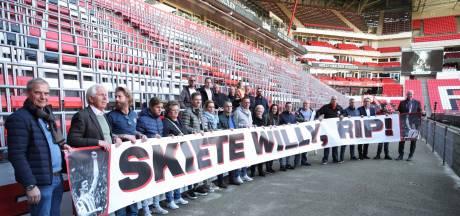 PSV Fans United eert Willy van der Kuijlen in het Philips Stadion en met blijvende herinnering bij De Aftrap