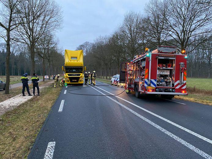De vrachtwagen viel op de Lochemseweg stil.