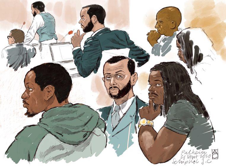 Rechtbanktekening van verdachten Anouar Taghi, Moreno B., Giërmo B. en hun advocaten. Beeld ANP