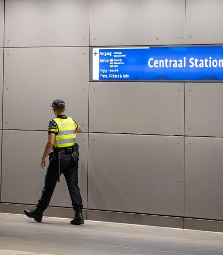 Grote zorgen om weghalen politiepost Amsterdam Centraal