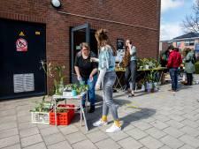 De liefde voor planten delen door groene huisgenoten te ruilen