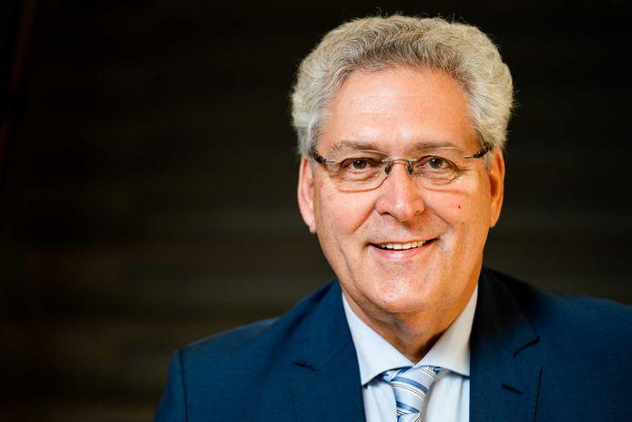 Oud-fractievoorzitter van 50PLUS en voormalig oprichter en lid van de Partij voor de Toekomst Henk Krol.