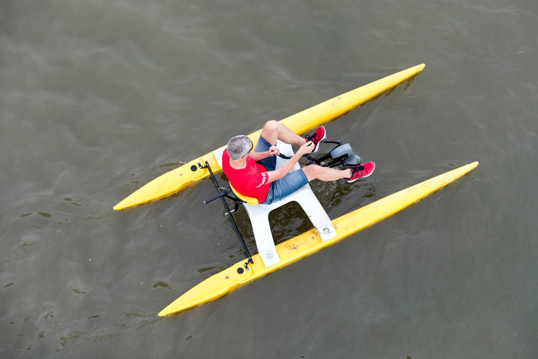 Nederland, Nijmegen, 120-05-2018 - In Nijmegen werd in de nevengeul van de rivier de Waal het NK Waterfietsen gehouden. Dit in het kader dat de stad dit jaar Green Capital van Europa is. Foto: Marcel Krijgsman / Hollandse Hoogte Beeld BELGAIMAGE